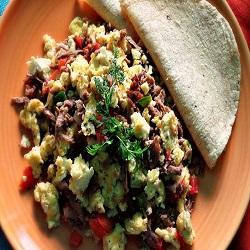 machaca con huevo comida tipica de chihuahua